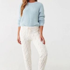 Pants - White cable knit joggers - closet Fav!